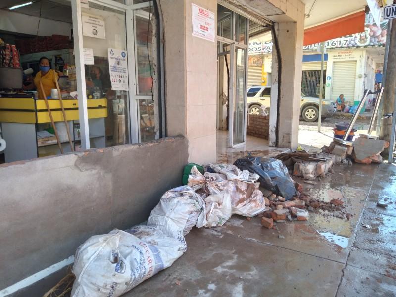 La prevención dejó daños menores en el centro de Tecuala