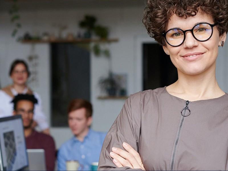La reactivación económica requiere de la participaciòn de la mujer