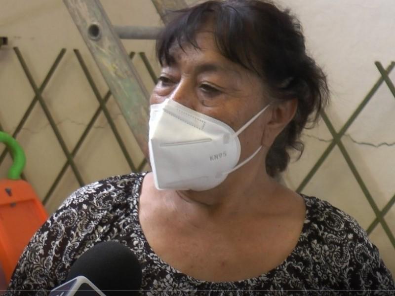 La señora Silvia podría perder su casa tras fallas geológicas