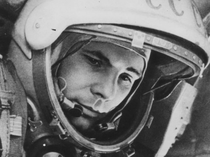 La Unión Soviética lanzó la primera misión Lunar