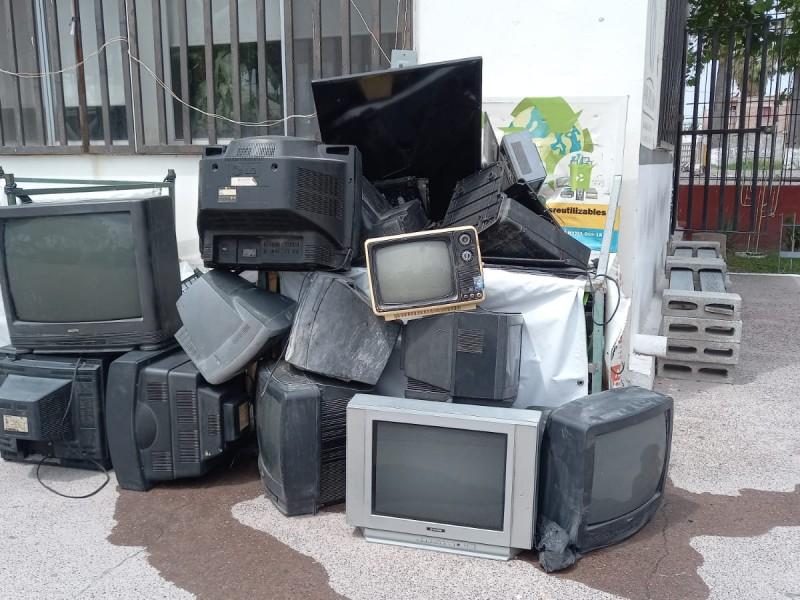 Laguneros tienen poca cultura en el reciclado de aparatos electrónicos