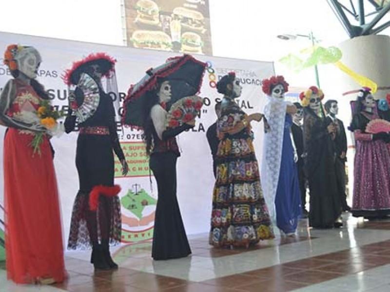 Lanza ayuntamiento concurso de catrinas en TGZ