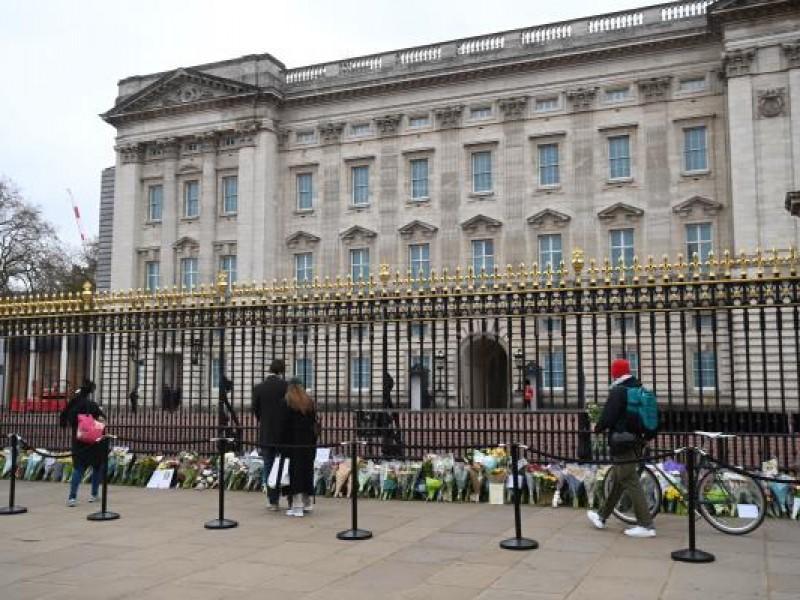 Lanzan cañonazos como homenaje al Príncipe Felipe