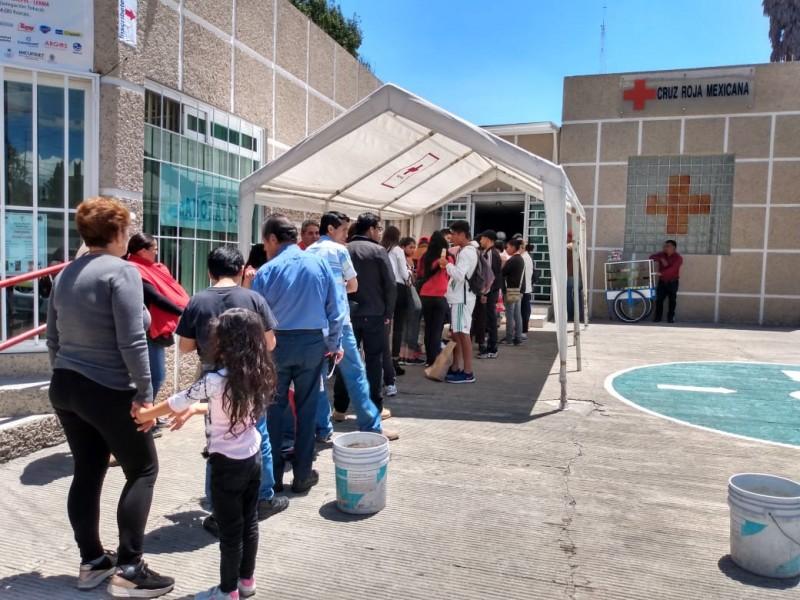 Largas filas en Cruz Roja por certificados médicos
