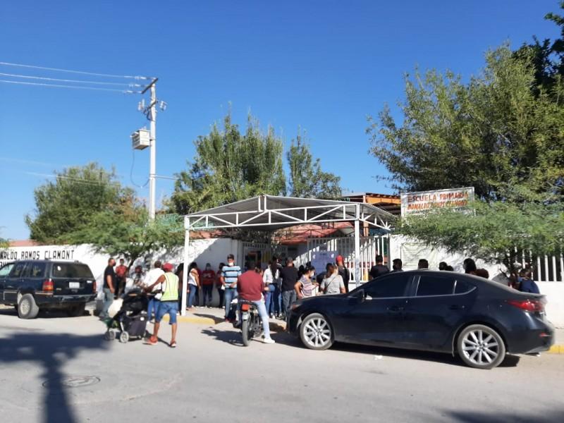 Largas filas y sin sana distancia en casillas de Torreón