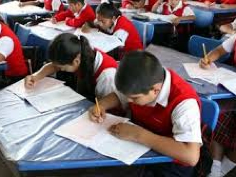 Las escuelas públicas aún aceptan inscripciones de estudiantes