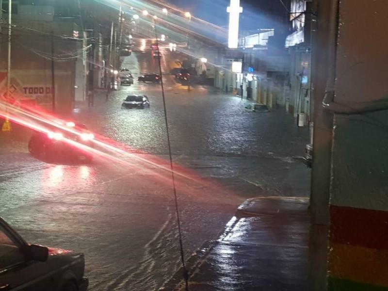 Las lluvias ocasionaron inundaciones y desprendimiento de escombro entre Zacatecas-Guadalupe
