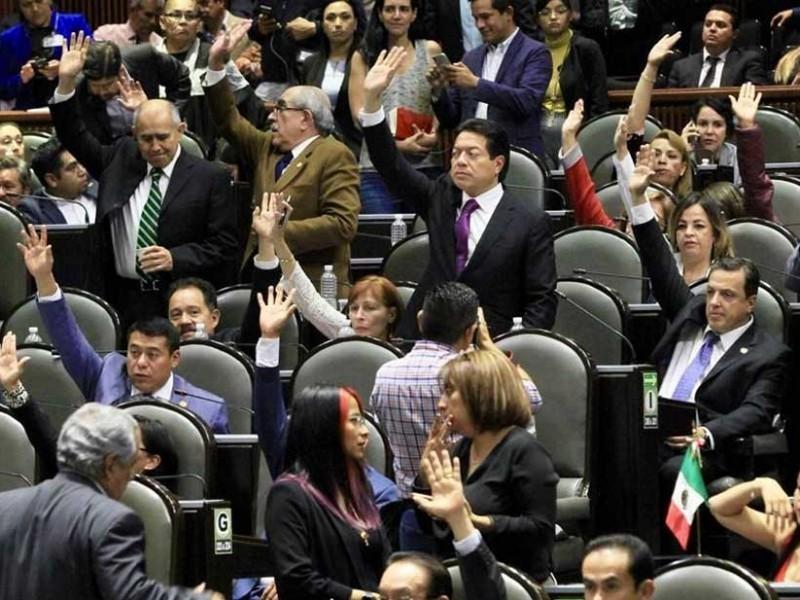 Legisladores quieren más, iniciativa privada reprueba a quienes pretenden reelegirse