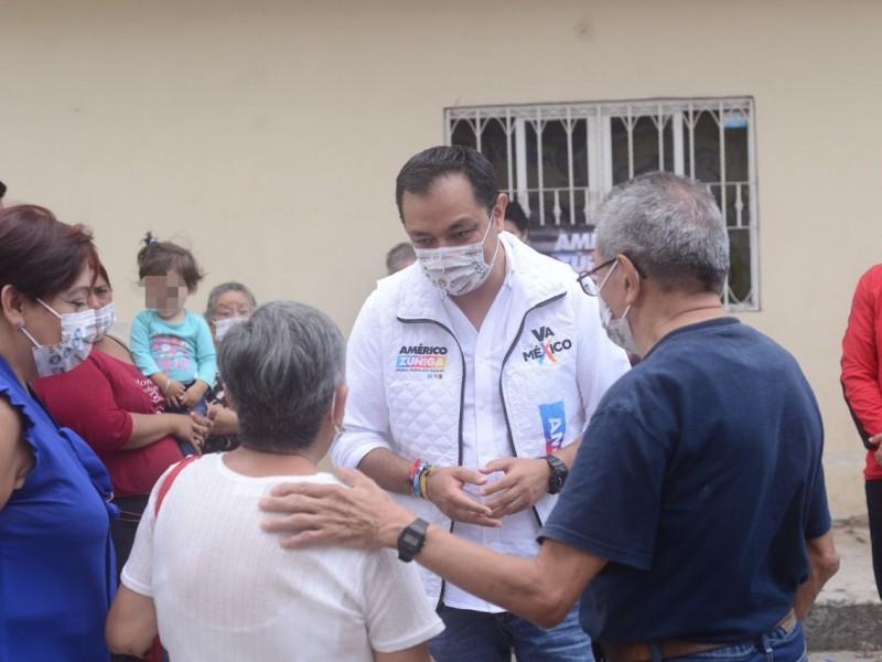 Legislaré obedeciendo a los xalapeños: Américo Zúñiga