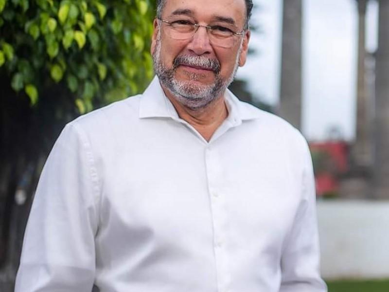 Leopoldo Domíguez, confirmó contagio de COVID-19