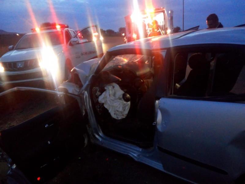 Letal accidente deja 5 muertos, 2 son menores