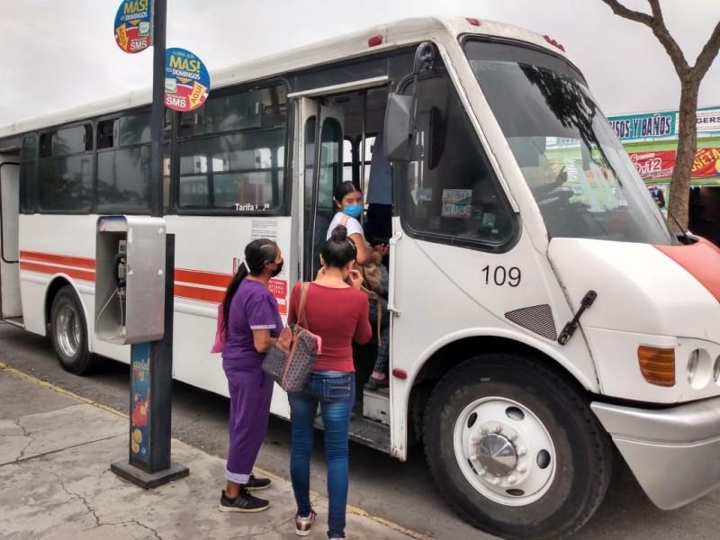 Ley Cubreboca debe sancionar a todos en transporte público: Choferes