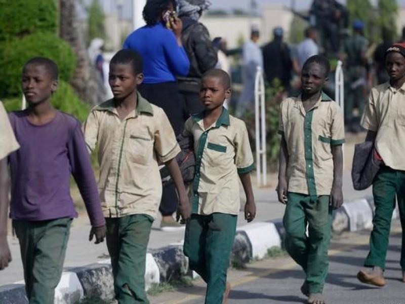 Liberan a estudiantes nigerianos secuestrados en mayo pasado