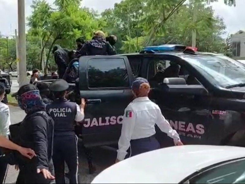 Liberan a 7 mujeres detenidas por manifestación en Jalisco