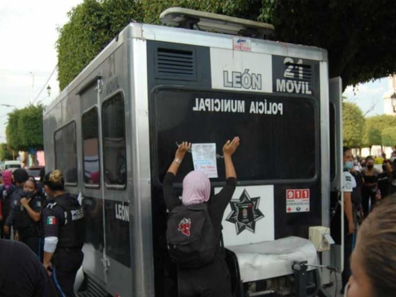 Liberan a mujeres detenidas durante manifestación, en Guanajuato
