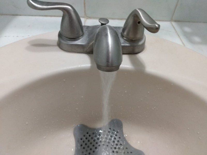 Liberan rebombeo, CEA regulariza abastecimiento de agua