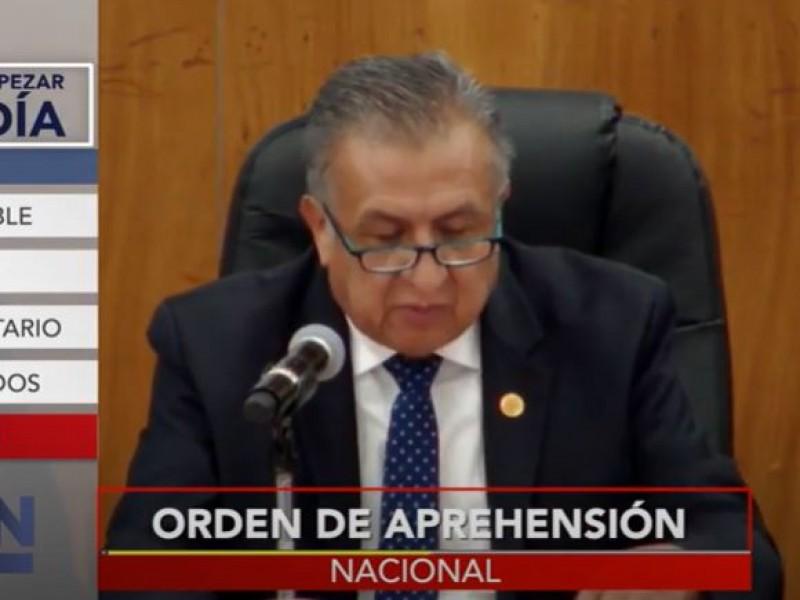 Libran orden de aprehensión contra Saúl Huerta
