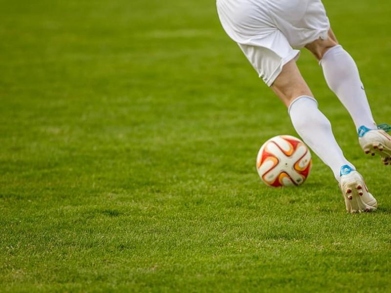 Liga de futbol deberá realizarse sin asistentes