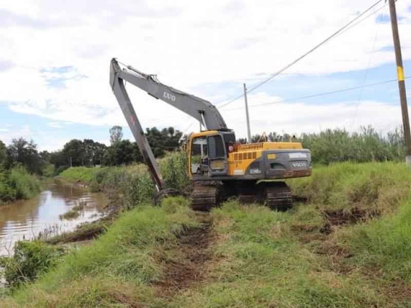 Limpian Dren A para disminuir riesgos de inundación