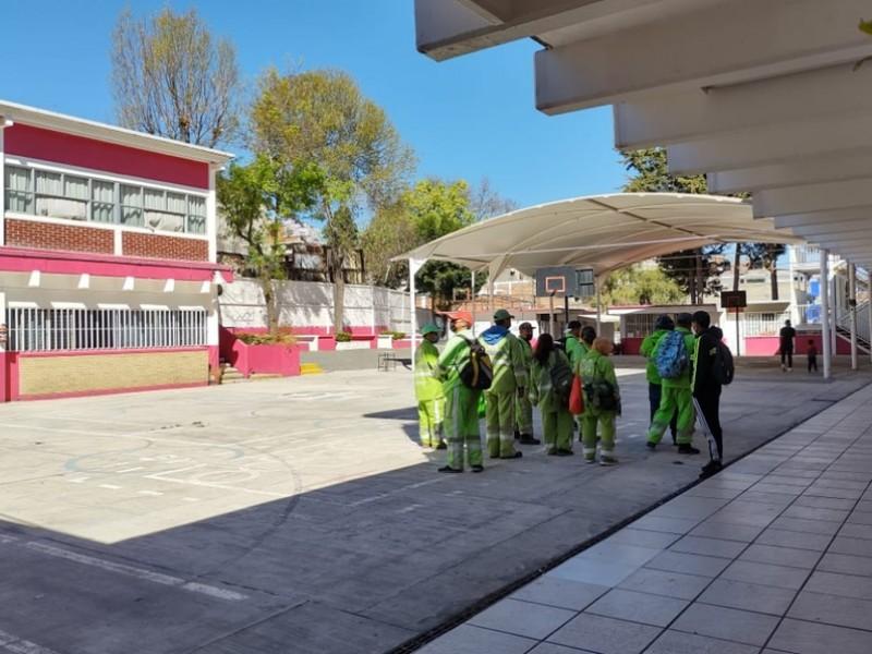 Limpian escuelas en CDMX para llevar a cabo vacunación
