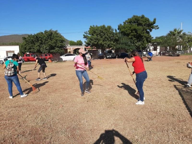 Limpian espacios públicos en fraccionamiento Patrón Márquez