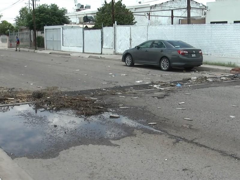 Limpian parrillas pluviales en Hermosillo