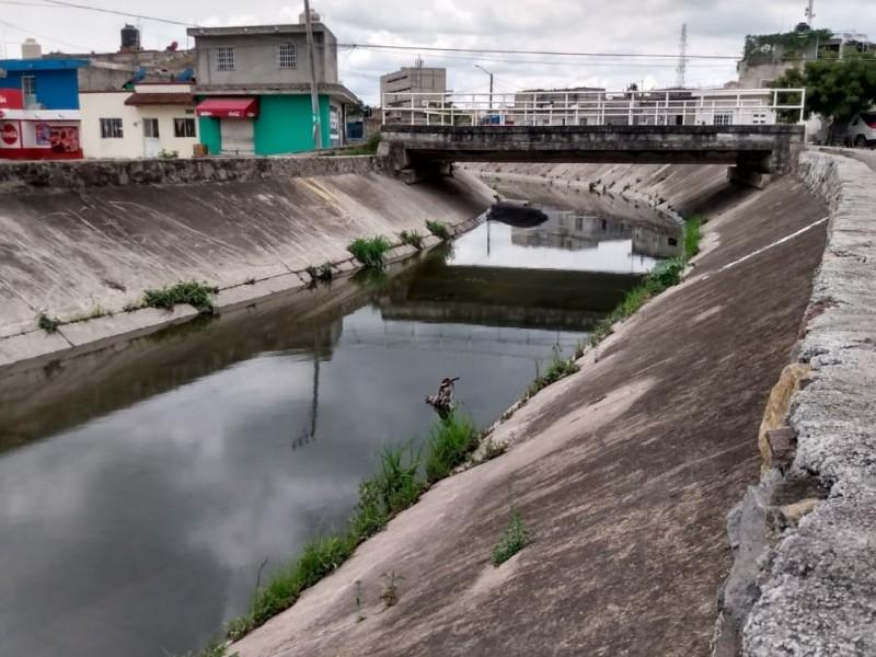 Limpieza de canales pluviales al 70%: Obras Públicas