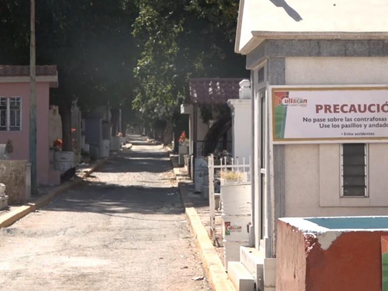 Limpieza de panteones en Culiacán para día de muertos