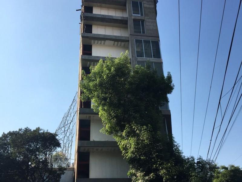 Lista demolición de siete pisos ilegales de Baja California #370