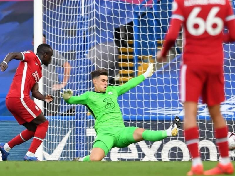 Liverpool vence a Chelsea. Error del arquero Kepa fue factor