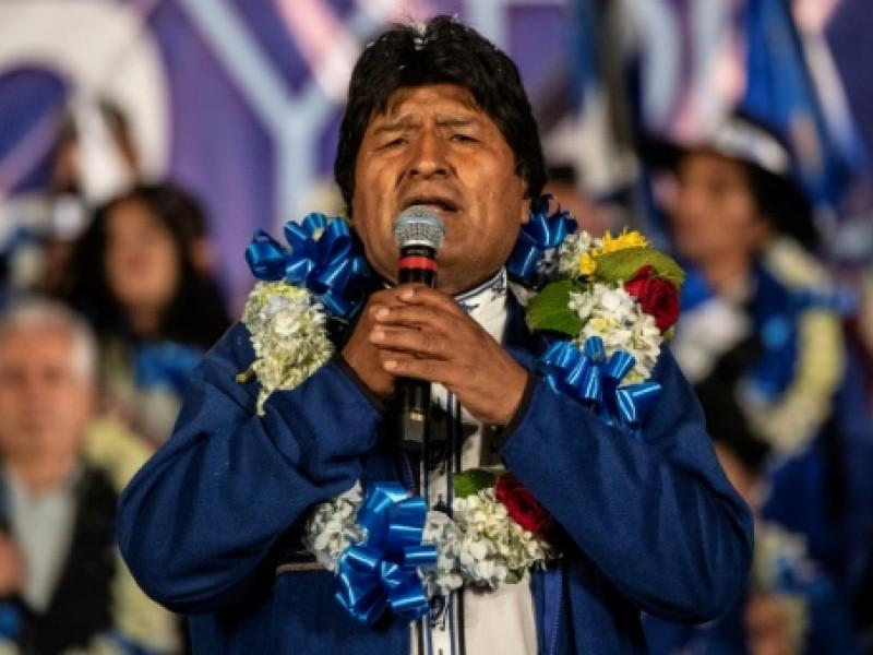 Llama Evo Morales a participar en comicios