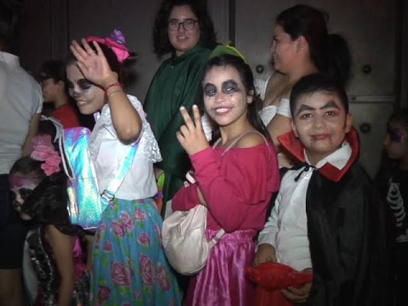 Llaman a no exponer a niños con festejos de halloween