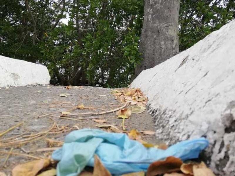 Llaman a ser responsables al tirar cubrebocas y otros desechos