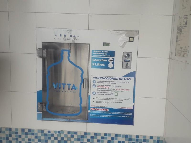Llaman a usuarios de despachadores de agua a limpiar garrafones