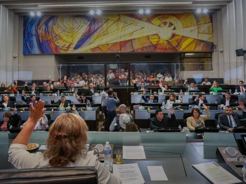 Llaman diputados a denunciar nepotismo y corrupción