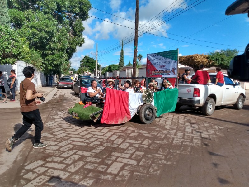 Llamativo desfile en la Villa de Ahome