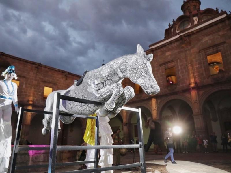 Llega exposición de Arte Huichol a Clavijero