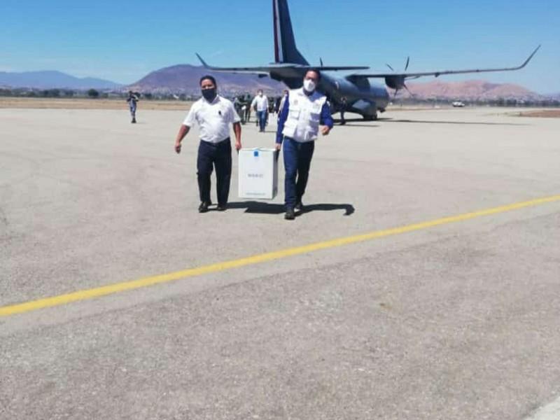 Llega otro lote de vacunas Anticovid a Oaxaca