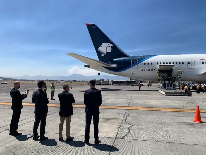 Llega a México cargamento con 200 mil vacunas Sputnik V