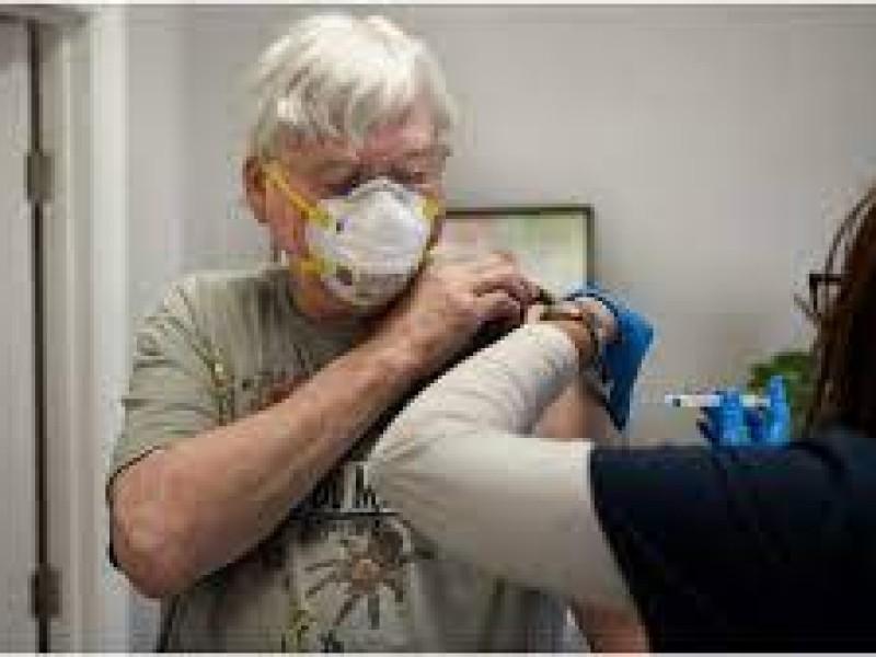 Llegan 359 mil 925 dosis para vacunas a adultos mayores