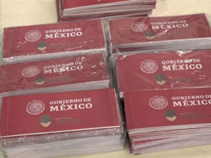 Llegan a Bienestar 7 mil becas Benito Juárez.