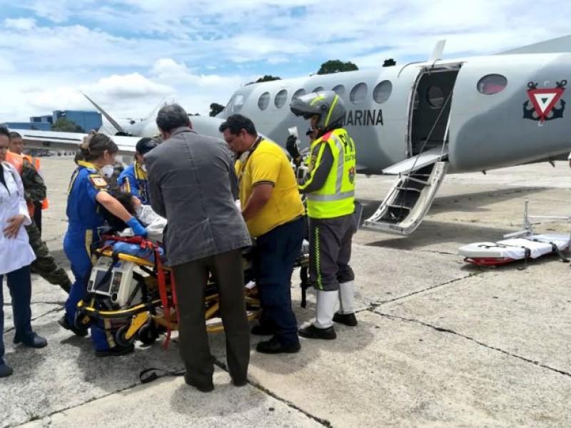 Llegan a México dos víctimas de erupción