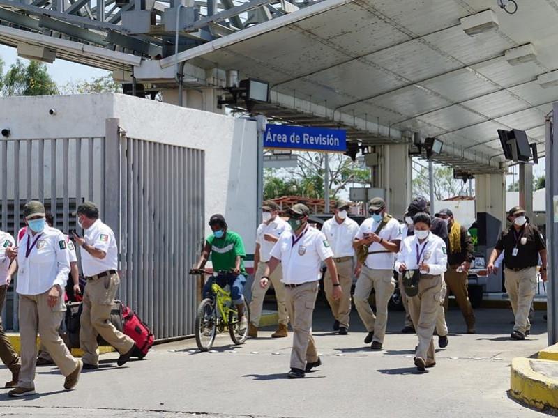 Llegan agentes migratorios a la frontera sur de México