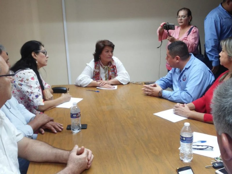 LLegan diputadas a Navojoa por conflicto sindical