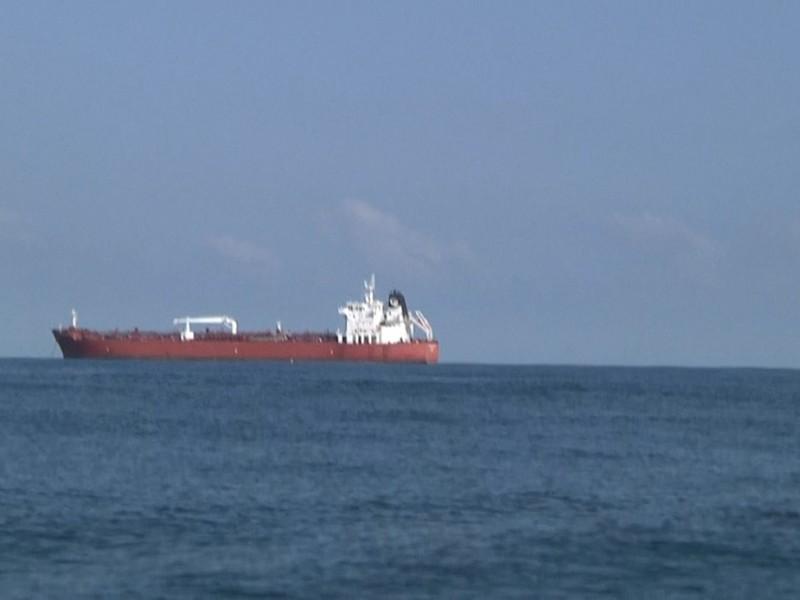 Llegan más buques con fluidos petroleros a Tuxpan