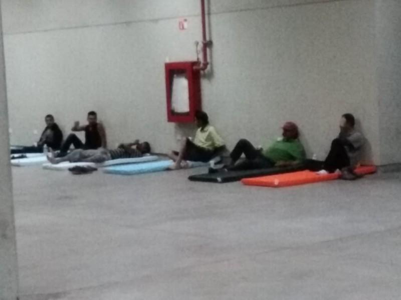 Llegan personas al CUM para refugiarse