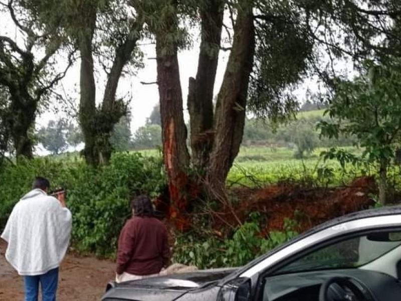 Lluvia con rayos provoca miedo en pobladores de Huauchinango