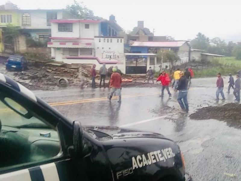 Lluvia deja afectaciones y una persona herida en cuatro municipios