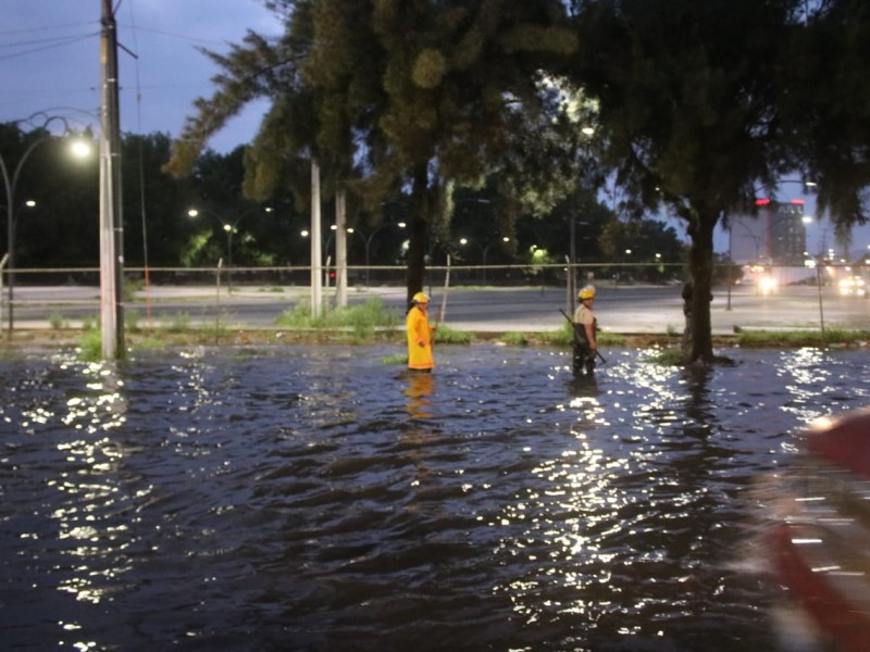 Lluvia deja estragos en Zona Metropolitana