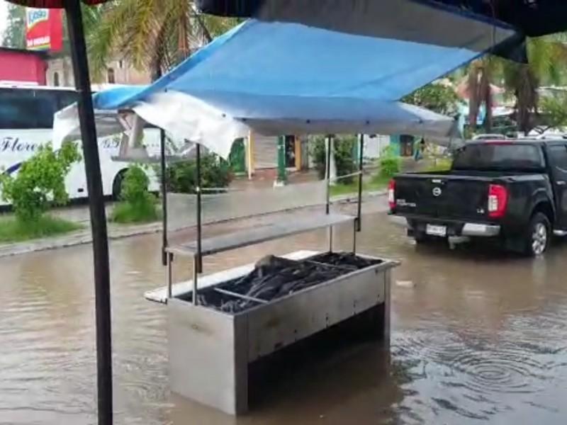 Lluvia dejó inundaciones en Rincón de Guayabitos